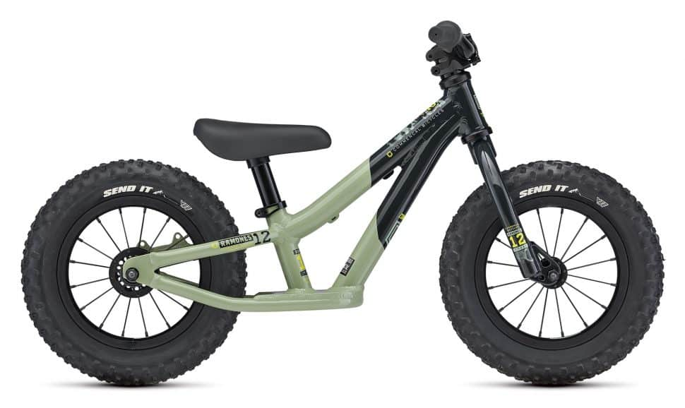 2021 Ramones 12 Green