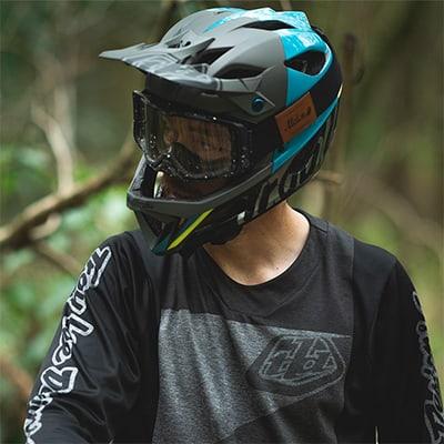 full-face-mountain-bike-helmet
