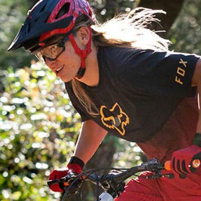 trail-mountain-bike-helmet